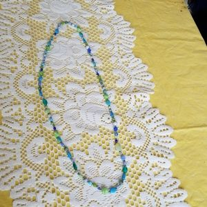 Lone one strand sea blue/green beaded necklace